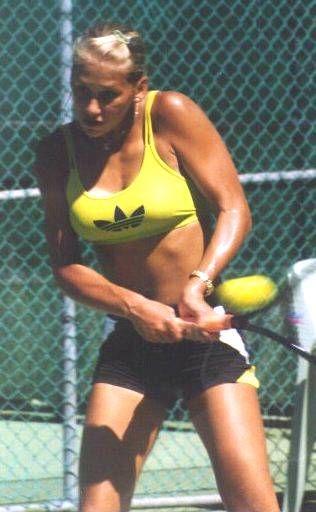 Anna Kournikova - On Court Photos Page 6